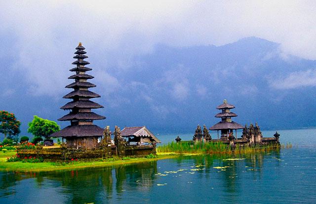 Bali to Singapore - Atlantis gay cruise