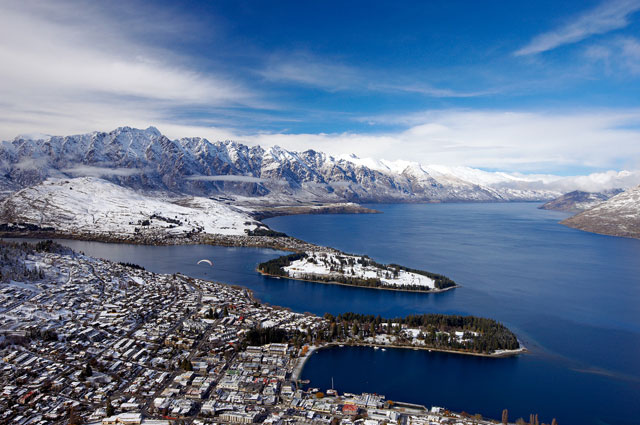 New Zealand - Gay Ski Week in Queenstown